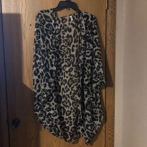 NWOT leopard kimono